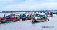 দেড় বছর পর যাদুকাটা নদীতে বালু উত্তোলন শুরু : শ্রমিকরা খুশি